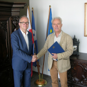 The agreement was signed by UG Rector, Prof. Jerzy Piotr Gwizdała on behalf of the University of Gdańsk and by Prof. Jerzy Limon